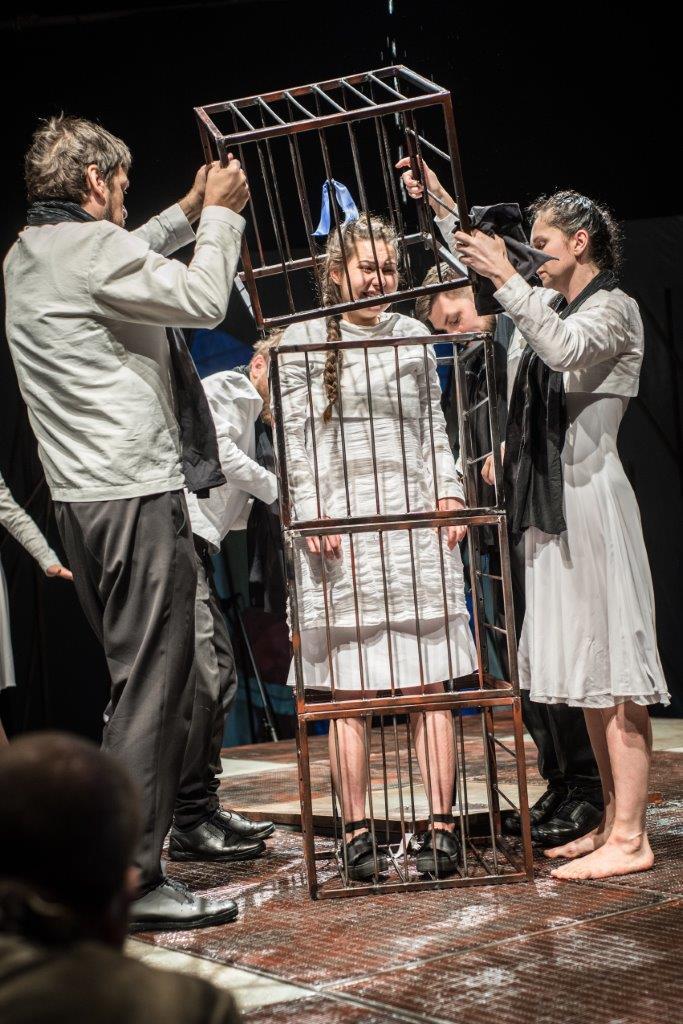 Wierna wataha Teatr im. Modrzejewskiej w Legnicy