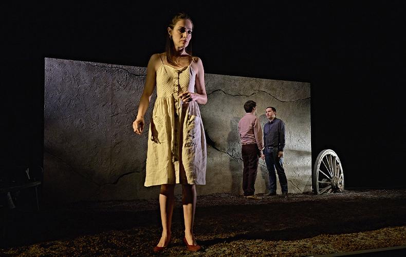 """""""La geometría del trigo"""" (reż. Alberto Conejero). Fotografia ze strony Centro Dramático Nacional."""