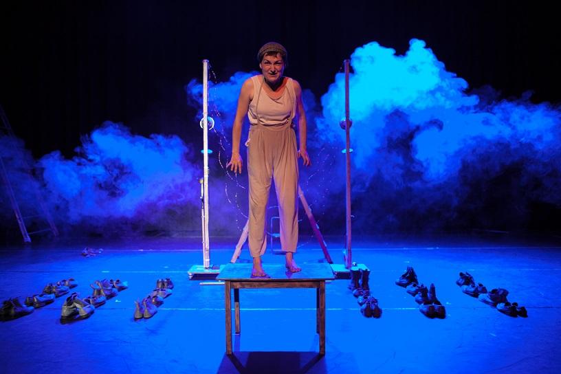 """Inma González w spektaklu """"Mauthausen"""" / materiały ze strony internetowej spektaklu"""