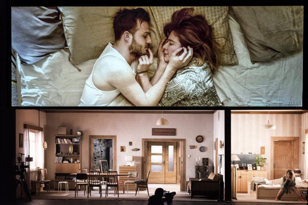 """""""Pod presją"""" (reż. Maja Kleczewska). Teatr Śląski. Fot. Magda Hueckel"""